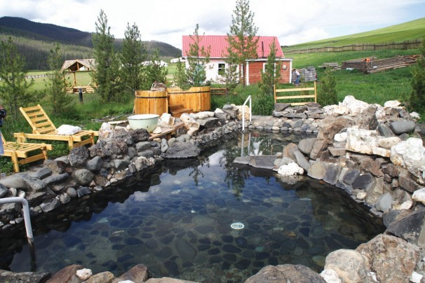 Heiße Quelle bei Tsenkher